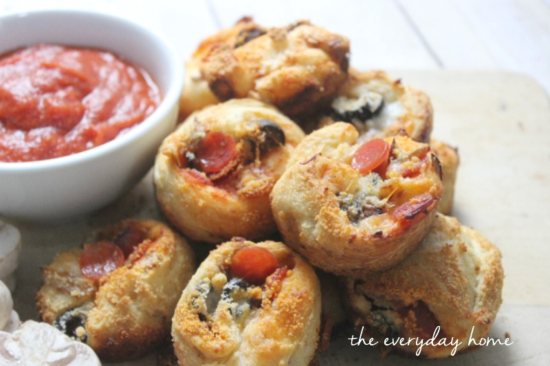 Pepperoni Pizza Popovers by The Everyday Home #backtoschool #pizza # ...