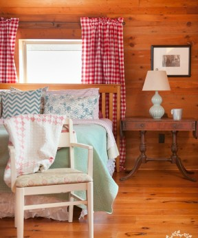 Cabin Bedroom Decor
