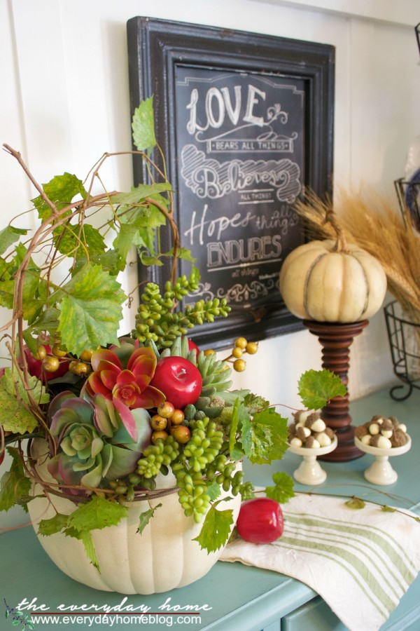 Creating a Fall Pumpkin Planter The Everyday Home www.everydayhomeblog.com